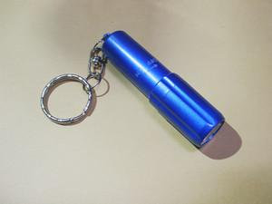 単4形電池を搭載可能に